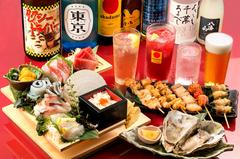 名物階段7点盛りや、特大金華さばの開き、串もん9種盛りなど、旬の魚と串をお腹いっぱい堪能