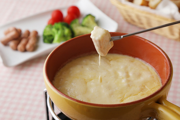 子どもから大人まで。家族を笑顔にしてくれる『チーズフォンデュ』