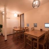 ランチやディナーは、2階の洗練されたイートインスペースで