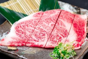 口中に美味しい肉汁が溢れる『特選ロース(噌・塩)』