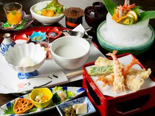 魚介類や野菜は、旬にこだわって素材を厳選仕入れ