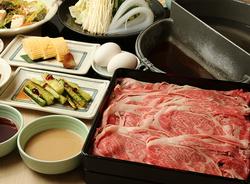 自慢のお肉・お野菜を職人が作る自家製ポン酢・ごまだれでお召し上がり下さい。