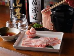 宮崎県のブランド豚『日向あじ豚』を使ったしゃぶしゃぶとおずや自慢のおでんをご堪能いただけます。