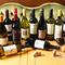 オーナーおすすめの自然派ワインを中心にリーズナブルに楽しめる