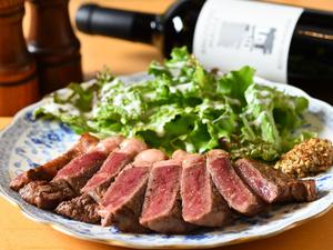 超低温で長期間熟成し肉の旨みを凝縮させた『US産熟成牛のサーロイン』