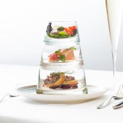 魚料理と肉料理を堪能するスペシャルコース