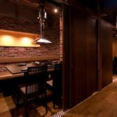 人数に合わせて個室で焼肉を食べられる、新橋の焼肉店