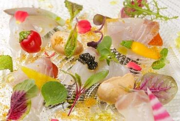 爽やかな酸味と鮮魚の甘みが美味『越前産神経締め鮮魚のカルパッチョ』