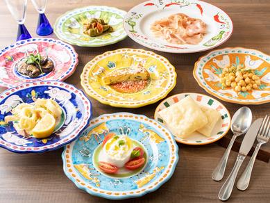 A 彩り豊かな料理を少量ずつ楽しめる前菜セット『プーリア式アンティパスティ』