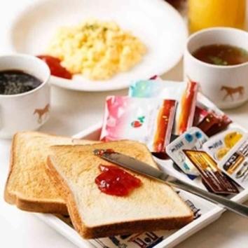 モーニング(4:30~11:00)パン、飲み物、スープおかわり自由