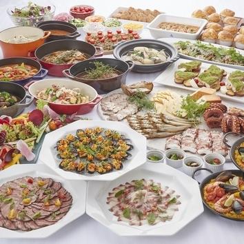 ◆ランチ◆選べるメイン料理&ブッフェコーナー(10/1~)