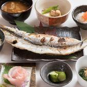 新鮮な魚介や地元産の肉を使用した料理が味わえる、ランチメニュー『日替わり御膳』