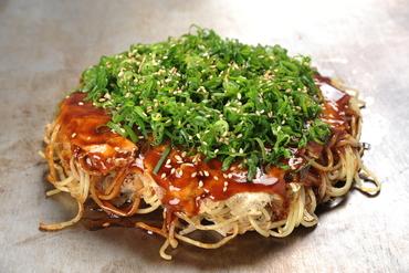 素材ひとつひとつの旨みが際立つ広島風『お好み焼き』は頬っぺたの落ちる絶品