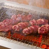 ヘルシーでジューシーな肉の旨みを堪能できる『サガリ・ハラミ』