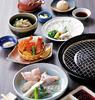 通常の約1.5倍の大きさ、圧倒的な食べ応えの「大とらふぐ」の焼きふぐをメイン料理にしたコース。