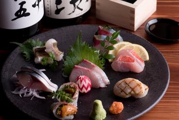 九州全土から取り寄せる新鮮な魚介を使った『刺身盛り合わせ』