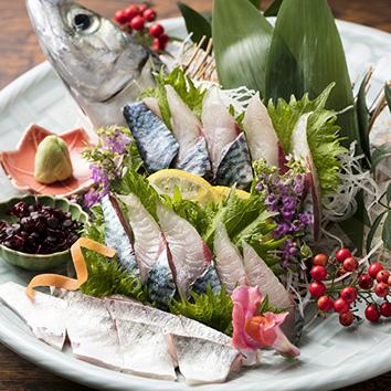 【鯖姿造り】【お造】【鯛茶漬け】【魚串】付き宴会逸品コース