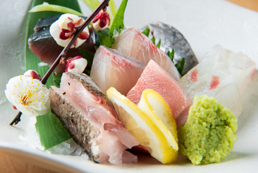 四季折々、旬の鮮魚を味わえる『刺盛』