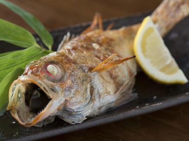 脂がのって身がふっくら。地物の高級魚『のどぐろの塩焼き』