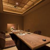 全席完全個室。掘りごたつとテーブル席の2タイプ