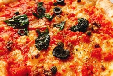 下記からお好きなピッツァ1つ+サラダ+ドリンク