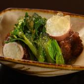 春を告げる食材をたっぷり使用した『飯蛸と山菜』