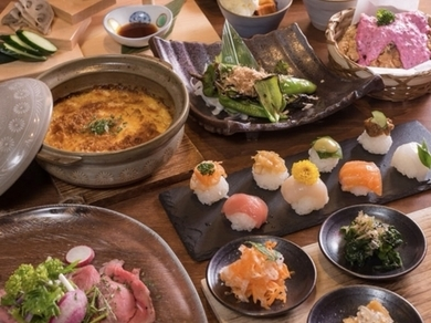 【女子会コース】京野菜は勿論!季節の食材、京豆腐の和風グラタン、可愛い手毬寿司等