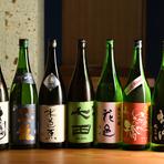 定番の銘柄から、その季節におすすめの珍しい日本酒まで種類が豊富。低温でゆっくり丁寧に仕込まれた大吟醸『黒龍』や、ほど良い酸味と香りでバランスのとれた辛口の純米吟醸『北雪』などが味わえます。