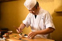 彩り豊かな旬の逸品料理に息づく、30年間研鑽した技術を披露