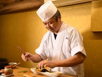 適度な距離感が心地よく、美味しい鮨で至福のひとときを