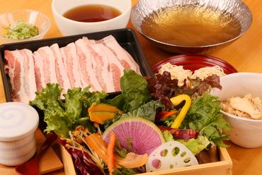 新鮮野菜と豚肉を存分に満喫『豚しゃぶセット』