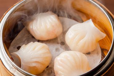プルッとした海老の食感がたまらない『海老蒸し餃子』