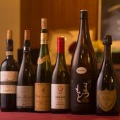 ワインセラーには100種類を超すワインを用意