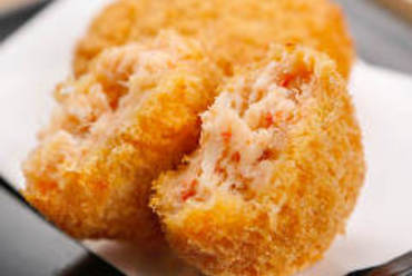カニの風味豊かな『絶品カニ肉たっぷりコロッケ』