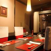 全室個室の贅沢なつくりで、それぞれに風情の異なる部屋を完備