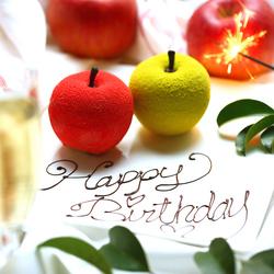 誕生日・記念日に◎主役が喜ぶこと間違いなし SNS映えする原宿りんごでサプライズ SNS映えな肉ケーキ付!