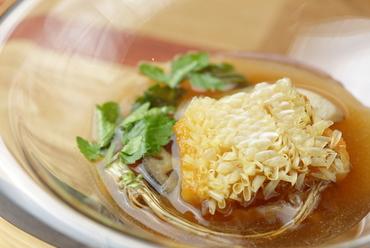 リピート率の高い人気メニュー『甘鯛のスープ』