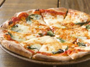 手づくり生地&トマトソースが絶品。ピッツァ『マルゲリータ』
