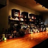 デートや少人数のグループに最適なテーブル席