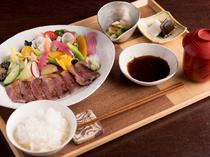 しっかりお肉を食べたい人はコレ!『豊後牛ステーキランチ』