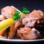究極の揚げ鶏の美味しさを満喫できる『ひな鶏の半身揚げ』
