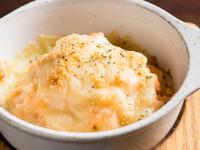 人気の創作おつまみ『めんたいマヨポテトのこんがりチーズ焼き』