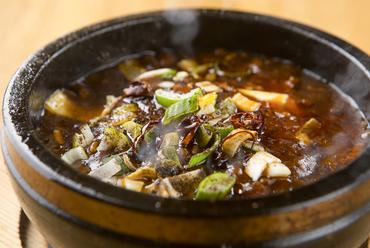 魅力的な辛さとコク。一番人気『絶頂石焼麻婆豆腐』