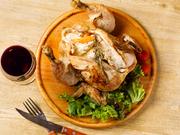 鶏の中にモッツァレラチーズと季節の野菜を入れてブレンドしたスパイスで味付けをしました。