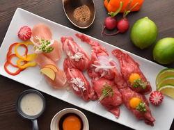 注目度No.1! 肉炙り寿司10種食べ放題。メディアで大注目の肉の寿司が食べ放題で◎