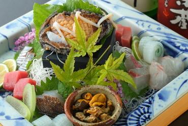 毎日、九州から空輸された鮮魚を使用『刺身盛り合わせ(御一人様)』