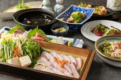 とにかく贅沢三昧の《冬の磯香る!高級クエちり鍋コース》は、贅沢な海鮮料理の数々をご用意いたしました。