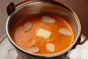 スパイシーなのにマイルド。インドでも一番人気のカレー『東京ドリームスペシャルバターチキン』