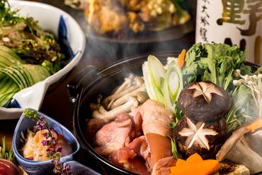 博多風鶏の水炊き、鶏の燻製、季節の一品など全9品『葵コース<最大3時間飲み放題付>』