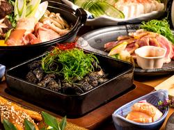 博多風 鶏の水炊き鍋や鮮魚のお造り、地鶏のたたきなど料理10品と、飲み放題付きのVIPなご宴会プランです!